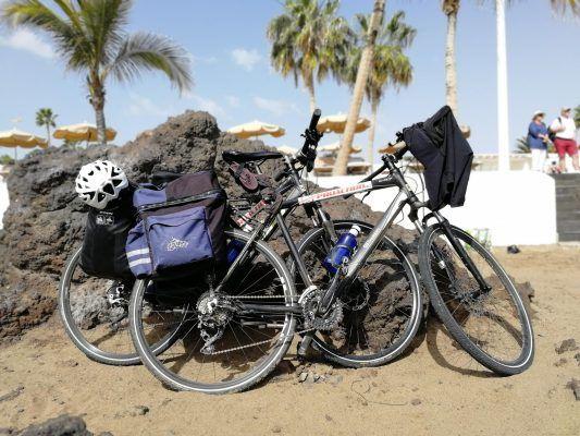 Unsere Bikepacking Trekkingbikes nach der Abholung