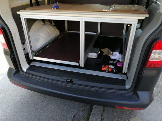 Die Aluprofilbox im Auto