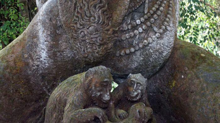 Affen-Relief im Monkey Forest