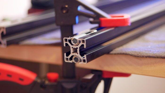 Aluprofil mit Automatikverbinder