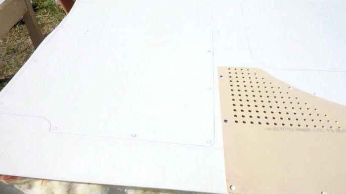 Alte Verkleidung vom T5 wird als Schablone verwendet